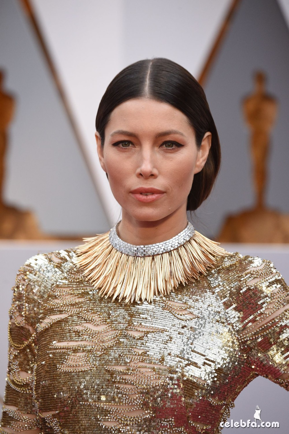 jessica-biel-oscars-2017-red-carpet-4