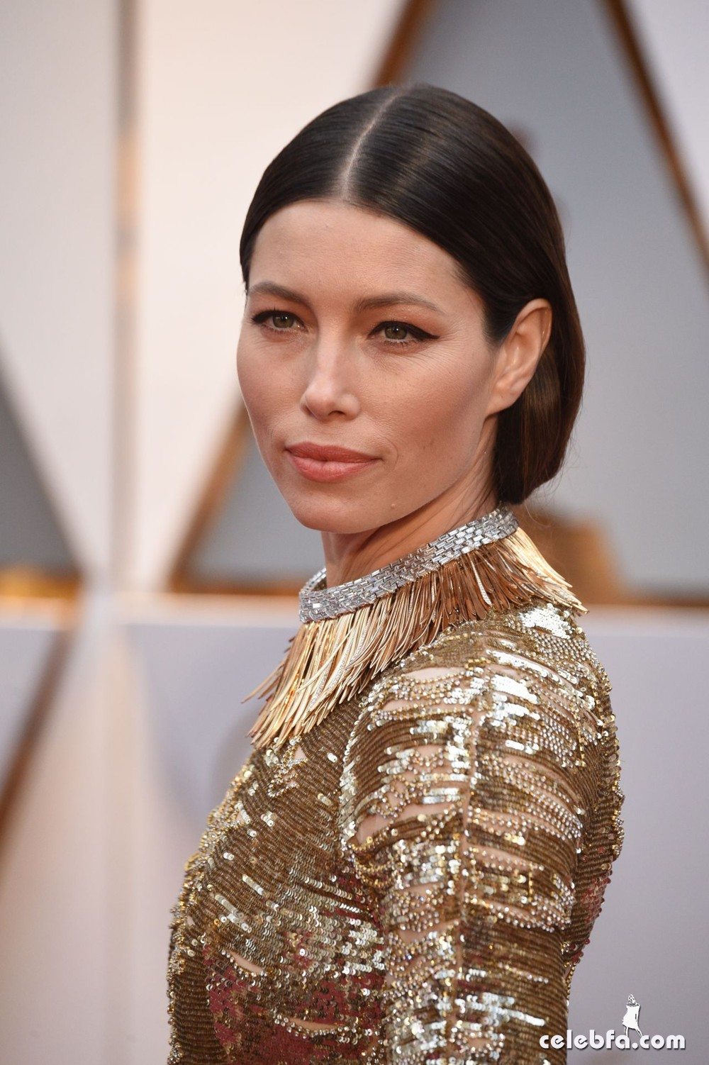 jessica-biel-oscars-2017-red-carpet-5