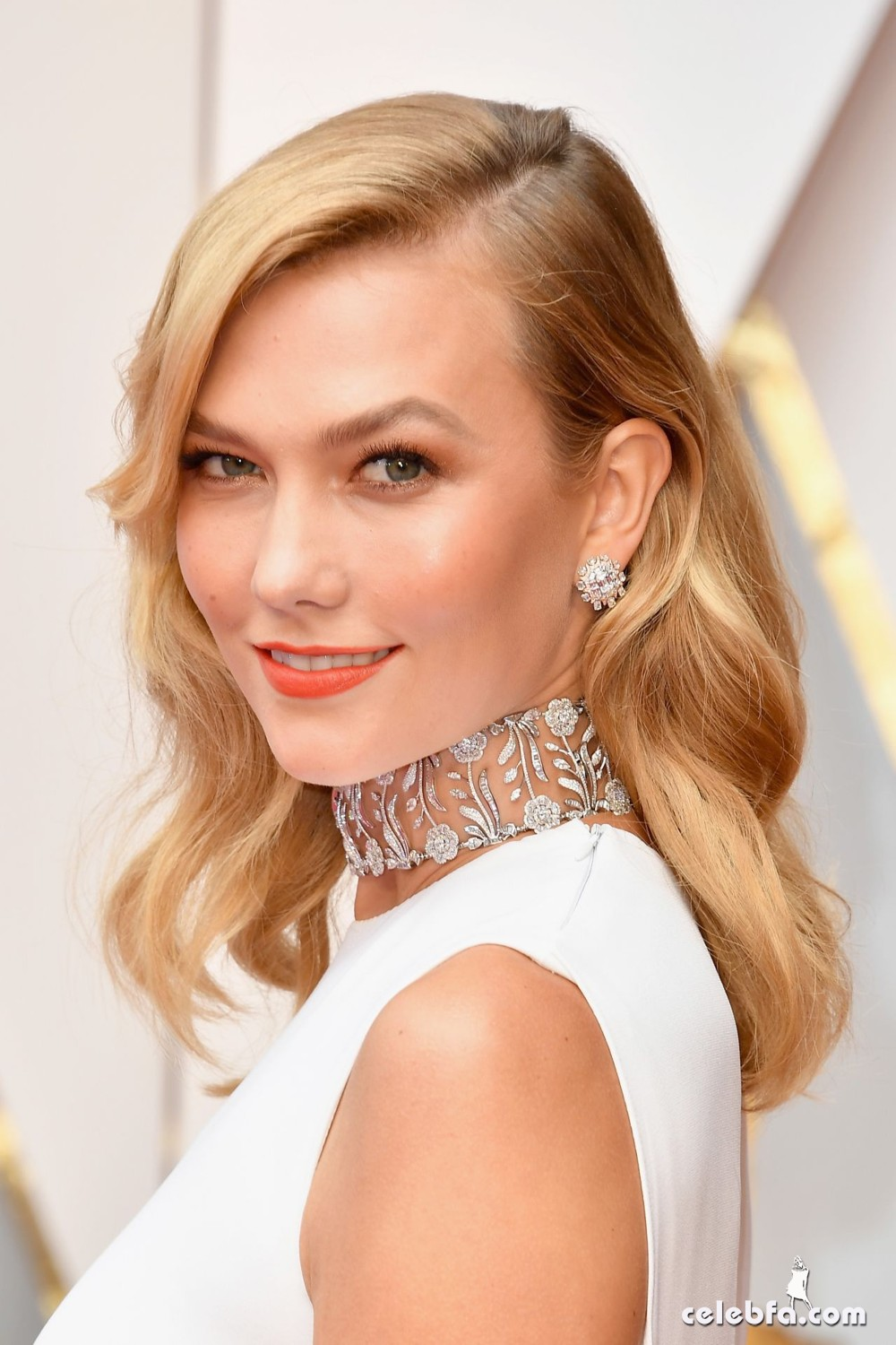 karlie-kloss-oscars-2017-red-carpet-in-hollywood-1