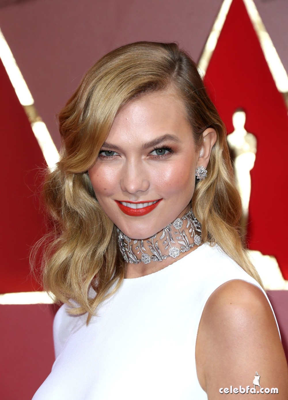 karlie-kloss-oscars-2017-red-carpet-in-hollywood-5