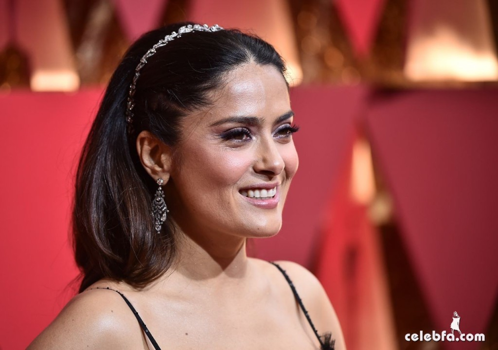 salma-hayek-oscars-2017-red-carpet-5